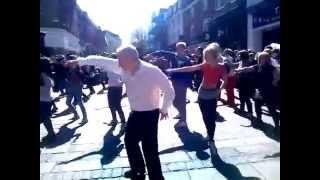 Norwich Flash mob - shake you