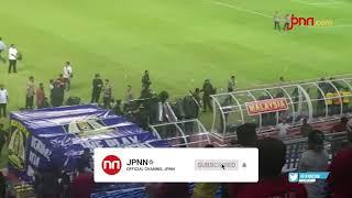 Ricuh Usai Laga, Pemain Malaysia Tertahan di Stadion Hingga Dini Hari - JPNN.com