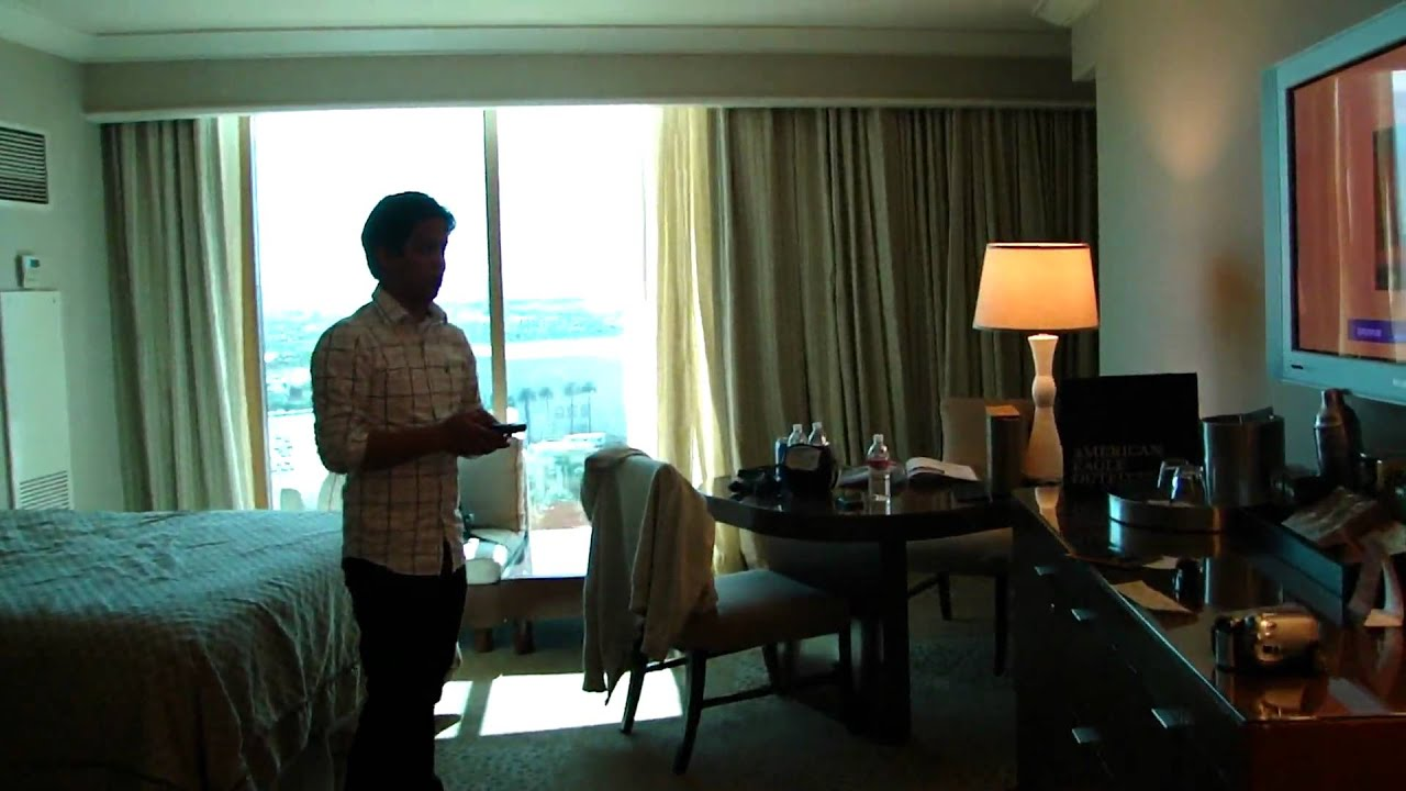 Mandalay Bay Hotel Room Tour In Hd Youtube
