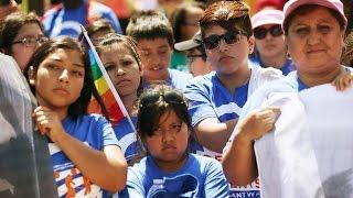 Organizaciones preparan ayuda a inmigrantes después de la firma de orden ejecutiva