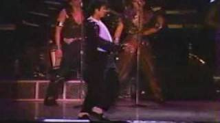 Michael Jackson - Shake your body down to the ground LIVE (Bad Tour 1987) PART 1