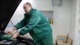 Замена воздушного фильтра Шкода Октавия TSI 1 8  в кузове А5