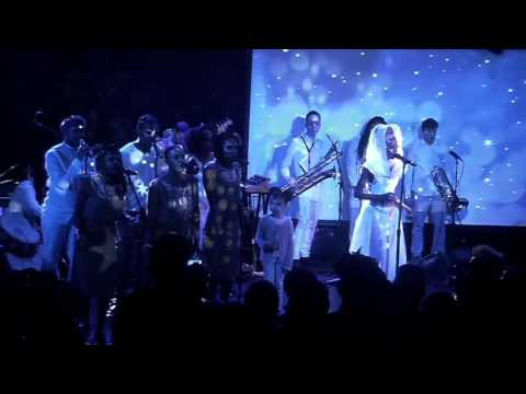 Lady Moon & The Eclipse - Believe (live at le poisson rouge)