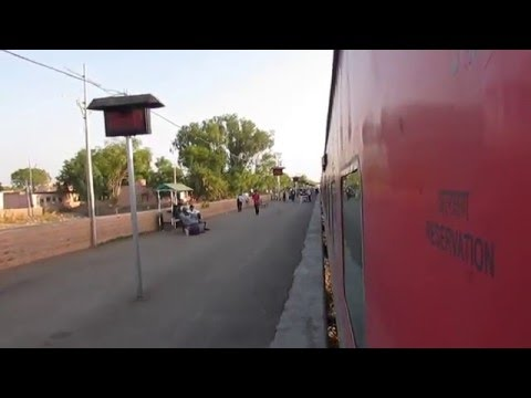 22632 Bikaner-Chennai Central Anuvrat AC Express departing from Nagaur, Rajasthan!