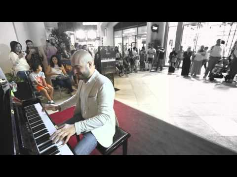 Alf Leila & Inta Omri – MashUp in Dubai Mall –  Maan Hamadeh