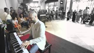 Alf Leila & Inta Omri - MashUp in Dubai Mall -  Maan Hamadeh