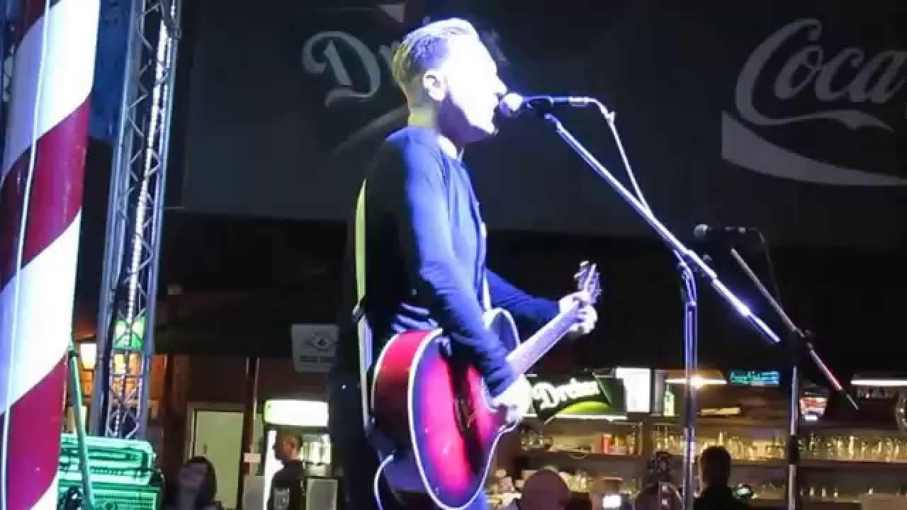 ROOM SERVICE-Bryan Adams tribute band koncert! - 2015.06.05 ...
