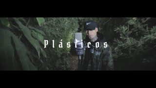 PLÁSTICOS // GERA MXM FT. TEEAM REVOLVER