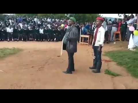 Mh Mangufuri Akizungumza Na Wanafunzi Wa Shule Ya Msingi Ya Mwalim Nyerere
