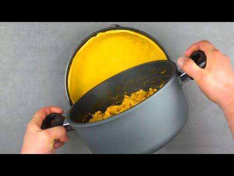 Étalez-ce-mélange-sur-la-pâte-et-tartinez-le-tout-de-fromage-frais-|-délice-au-poulet-crémeux
