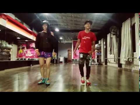 """Zumba """" Calentura By Yandel -Choreo By Chenci -BFS Studio Sangatta Borneo"""