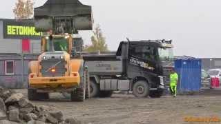Volvo L180G Loading Volvo FH 540 Dump Truck