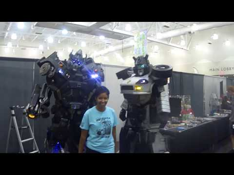 Amazing Transformers Cosplay at ErieComicon