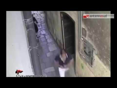 TG 27.10.14 Altamura: scippo ad un'anziana ripreso dalle telecamere