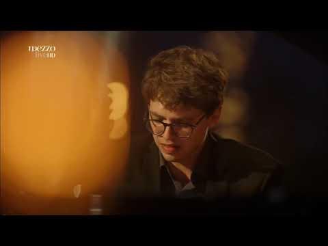 Lucas Debargue performing Liszt Mephisto Waltz no. 1