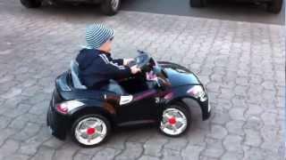 Детская машинка Ауди. Возраст 1-3 года - Raspashonka.com.ua(http://raspashonka.com.ua/elektromobili-detskijj-elektromobil-bambi-audi-tt-2x-belyjj-p-1853.html Характеристика электромобиля AUDI TT 2x 28AR: ..., 2012-10-25T12:04:54.000Z)