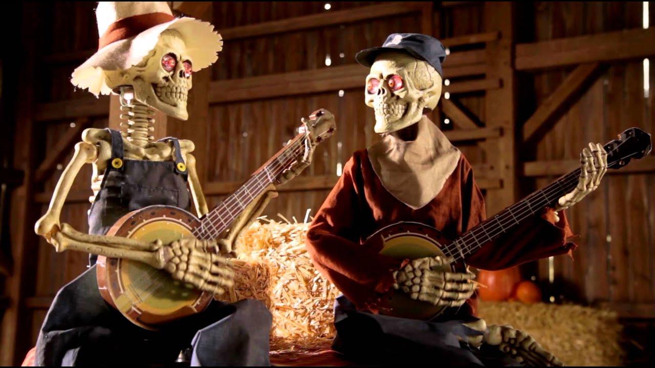 Grand In Road Dueling Animated Banjo Skeletons - Grandin Road - YouTube
