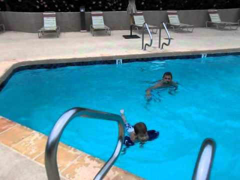 Big Man Jumping In The Deep End Of The Swimming Pool Youtube