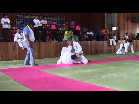 Penang BJJ Open 2013 - QF -70 KG White Belt - Dinny Gapar (BJJ SG) Vs Raymond Tan (Penang Top Team)
