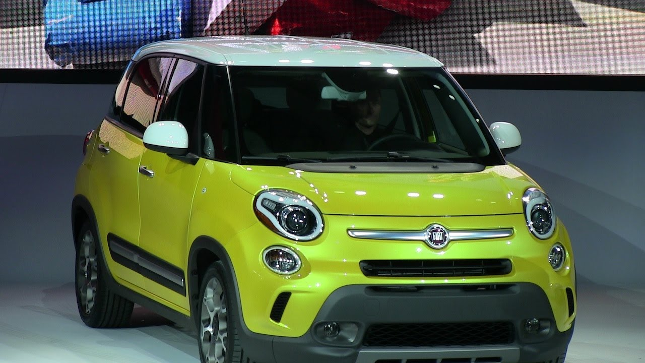 2014 Fiat 500L Trekking debuts at the 2012 LA Auto Show with y ...