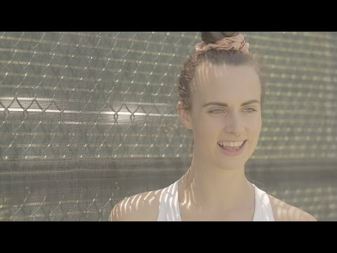 """MØ Coachella Interview: Making """"Lean On"""" With Diplo & """"Beg For It"""" With Iggy Azalea"""