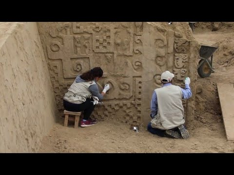 High relief murals discovered at ancient Peru citadel Chan Chan