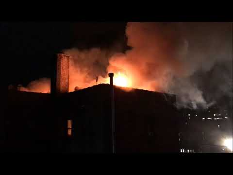 FDNY BOX 3581 - FDNY BATTLING MAJOR 4TH ALARM FIRE IN A MULT