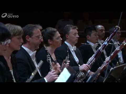 "W.A. Mozart Piano Concerto N 26 KV. 537 ""Coronation Concert"", Nadezda Pisareva, piano"