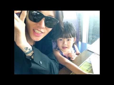 Papa Miyavi with his Daughters -Happy Valentine's Day
