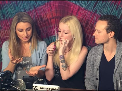 LIVE w/ Green Flower Media Founders!   STONEY SUNDAY #283   CoralReefer, Max Simon, Mandee Lee