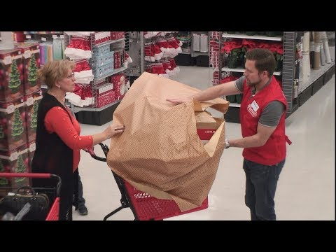 Ellen's Hidden Camera Prank On Unsuspecting Holiday Shoppers