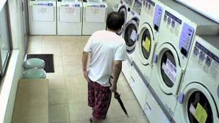 2011-07-01 コインランドリーの防犯カメラ映像 thumbnail
