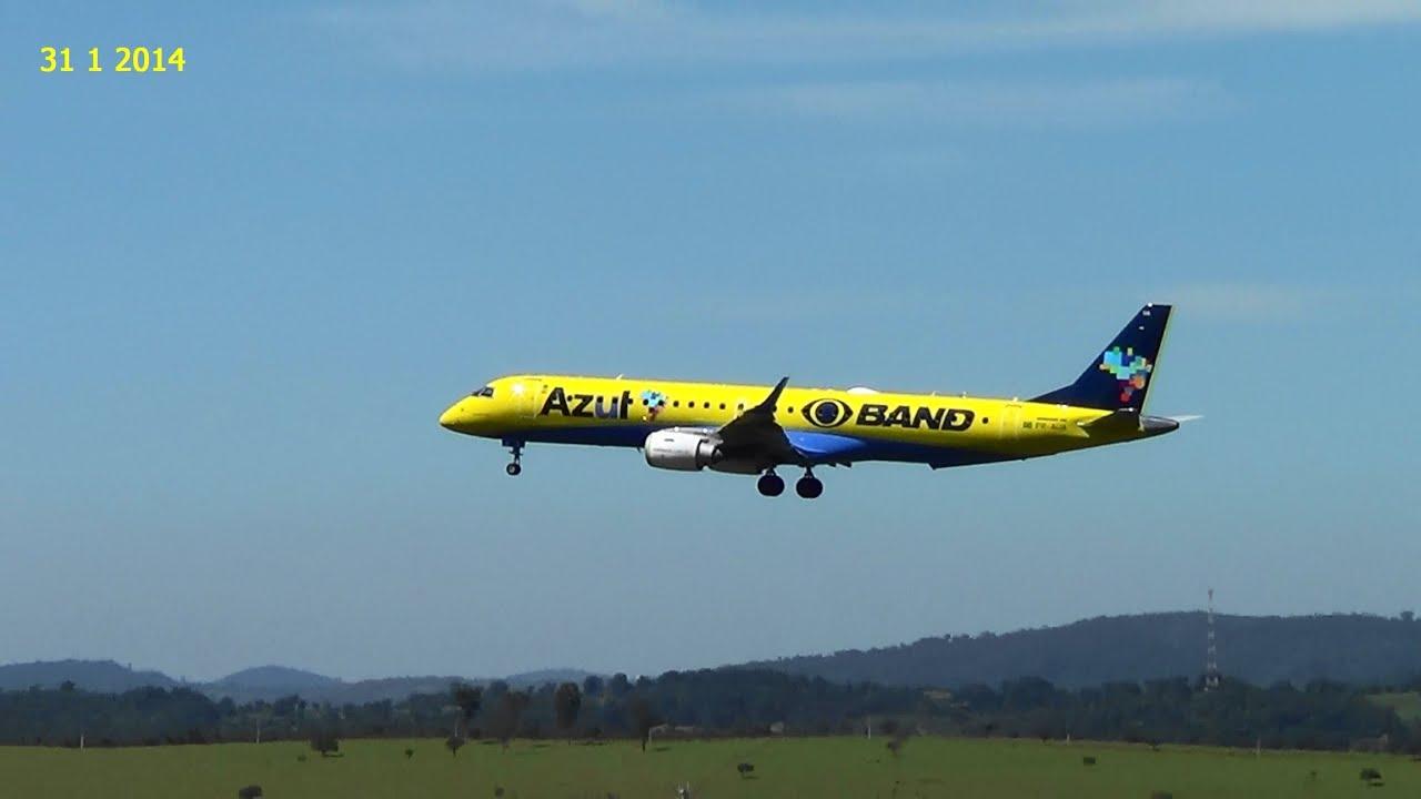 Dois lindos Aviões da Azul pousando no Aeroporto de Confins   #BBB910 2304x1296 Banheiro De Avião Internacional