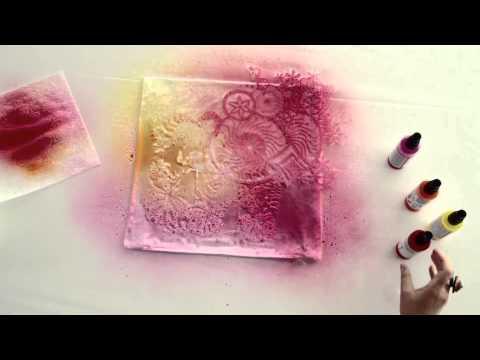 Рисунок красками на ткани с иcпользованием трафаретов