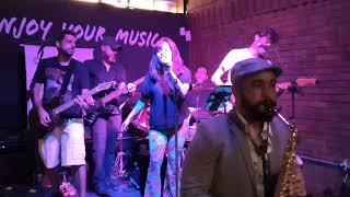 Shows Letsjam.Club - Valerie Amy Winehouse no Caravan Brew Pub
