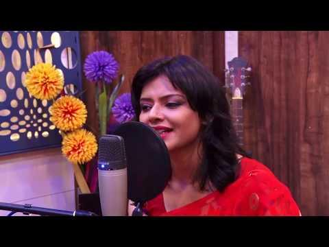 Emon Bhengechure Bhalo Keu Baseni-Bengali Recitation By Munmun