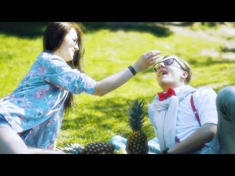 JACEK GWIAZDA - Mówią że zwariowałem (Official Video)