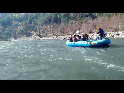 River rafting in kulu