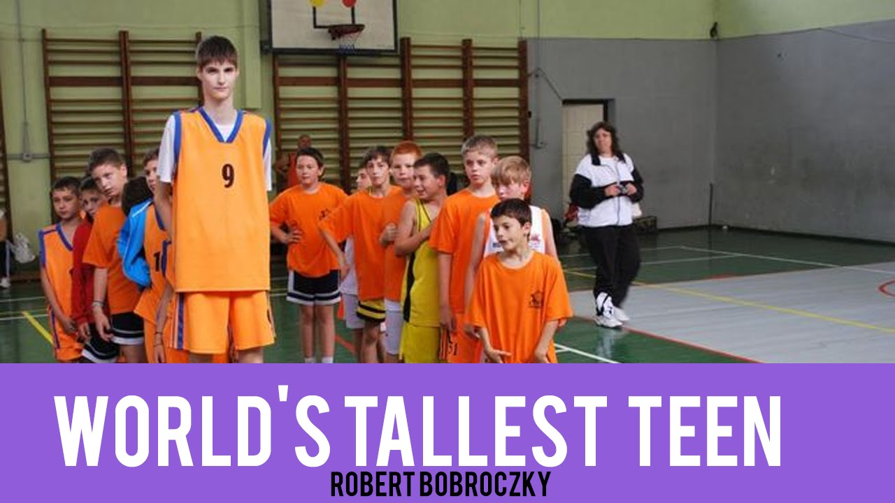 """Robert Bobroczky a 7'4"""" 13 Year Old - Europe's tallest ..."""