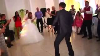 Невероятно красивый свадебный танец Wedding dance   Свадебный танец жениха и невесты