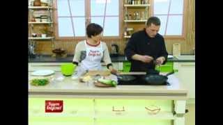 Будет вкусно! 04/12/2013 Тёплый салат из куриной печени, куриная грудка в пряных травах. GuberniaTV