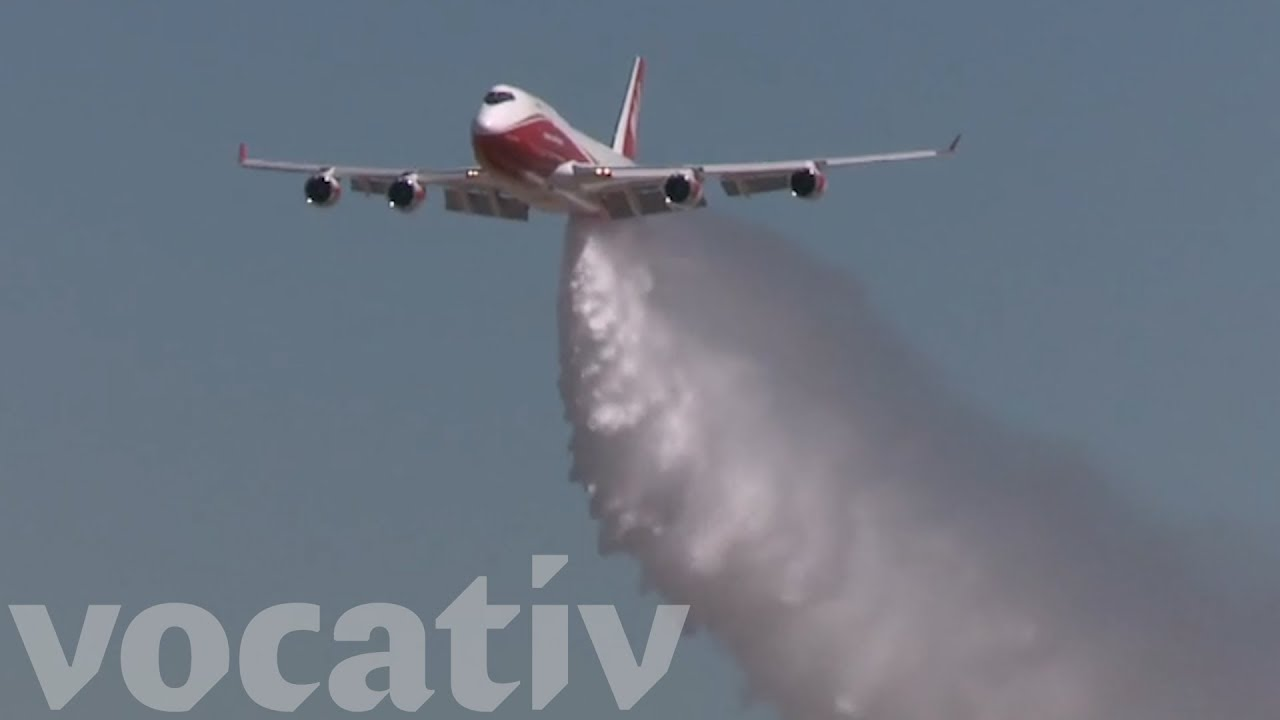 The World's Largest Firefighting Airplane Is Fighting ...