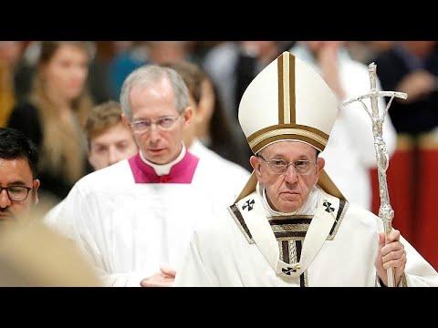 البابا فرنسيس يساند المهاجرين والفقراء وينصح بالاهتمام بهم…  - 21:53-2018 / 11 / 18