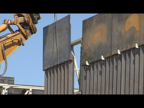 Tempe Contractor Demonstrates Building Technique For Border Wall