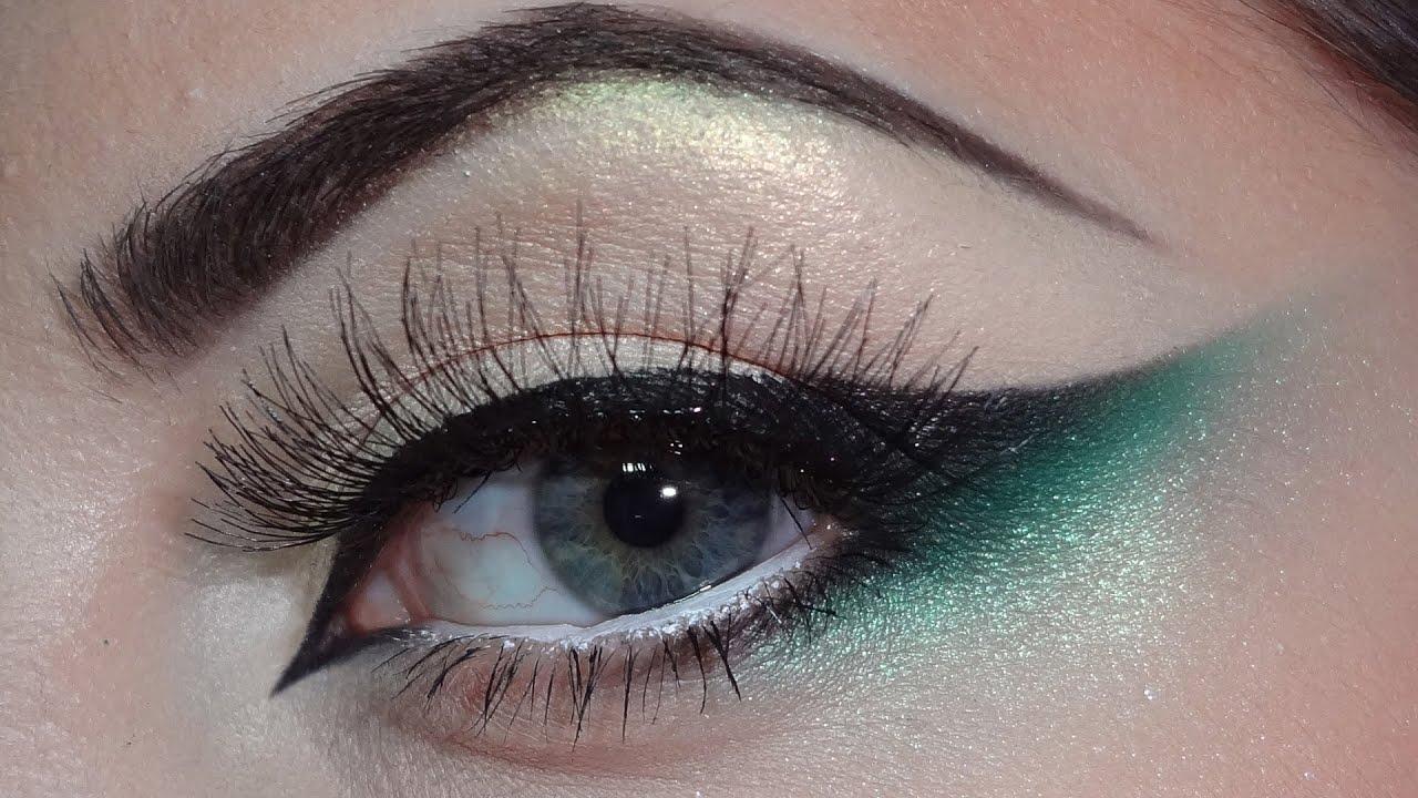 Green, black cat eye makeup - YouTube