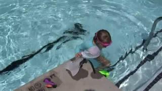 Елизавета купается, часть 2 Thumbnail