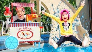 시원한 음료수 사세요~! 콩순이 카페놀이 장난감으로 마트놀이 하고 수영장에서 물놀이 해요!! Water Slide & Ice Cream Toys