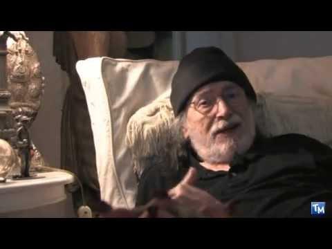 Intervista a Tomas Milian per Se sei vivo spara tratta dal dvd Cinekult (2010)