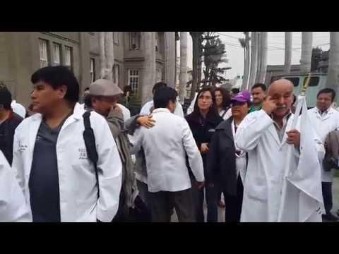 FEDERACION MEDICA PERUANA 20-08-14 GLORIOSOS 100 DIAS DE HUELGA