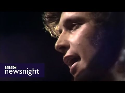Don McLean performs American Pie live at BBC in 1972 - Newsn